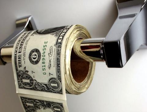 Si te sobra el dinero no lo tires, dámelo a mi…