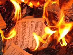 """¿Cierre de webs""""públicas""""?, volvemos a la quema de libros (versión 2.0)"""